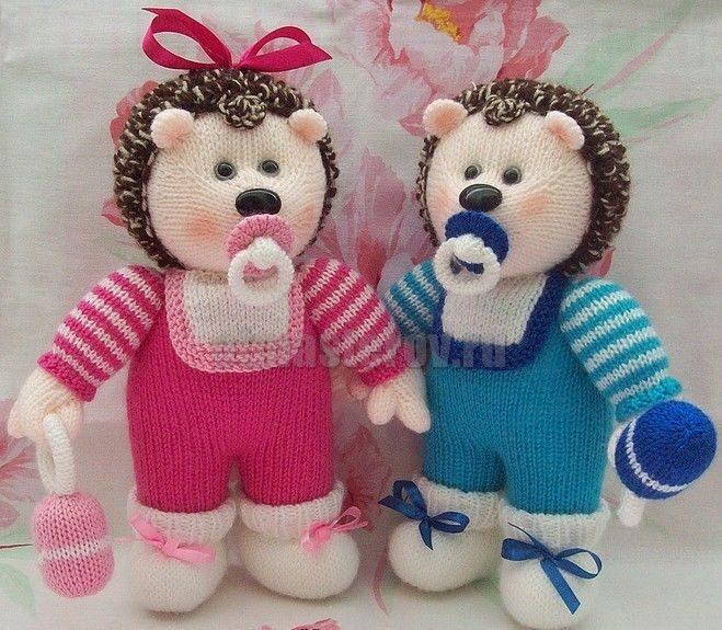 Вязание игрушек для новорожденных крючком 11